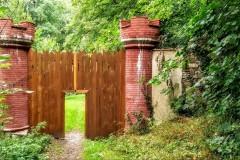 .zadní brána do zámeckého parku